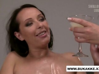 Carolina Vogue Enjoys Cum Cocktail Blow Bang - bukkake.xxx bukkakexxx cum cumshot