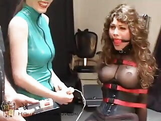 Brunette Doesn't Want to Get Off of the Fuck Chair bdsm fucking machine porn for women