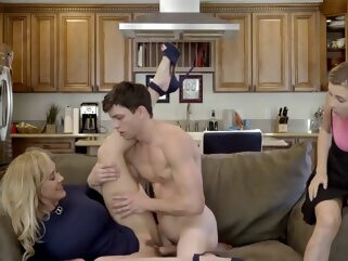 mom caught her daugther with her boyfriend big tits blonde hd